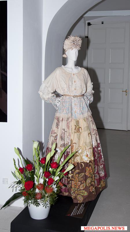 В Эрмитаже открылась масштабная выставка работ выдающегося российского модельера Вячеслава Зайцева