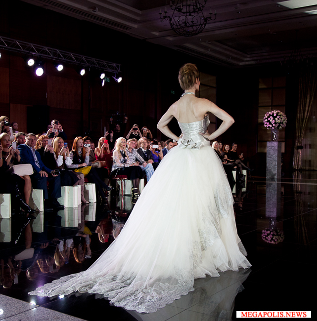 svadebnie-platiya-mauro-adami