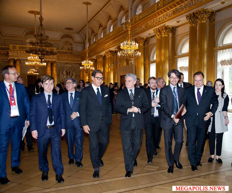 Посол Италии Чезаре Мария Рагальини посетил выставку в Эрмитаже