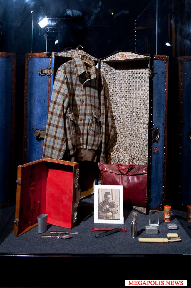 В Петербург привезли модный гардероб Владимира Маяковского