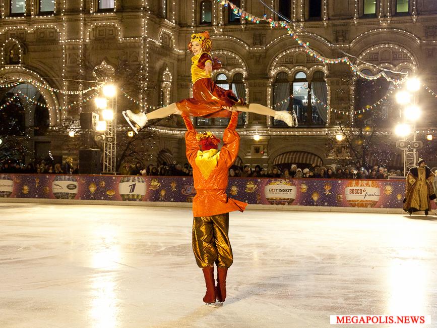 На Красной площади открылся главный каток страны