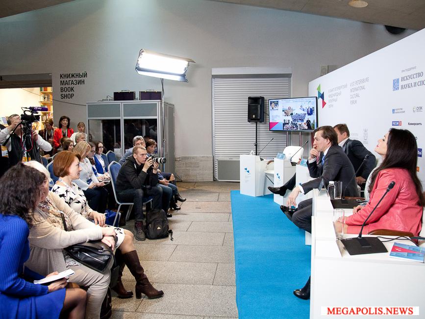 Сергей Безруков представил на Международном культурном форуме фестиваль «Фабрика Станиславского»