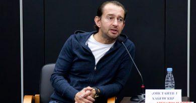 Константин Хабенский ответил на вопросы зрителей в прямом эфире