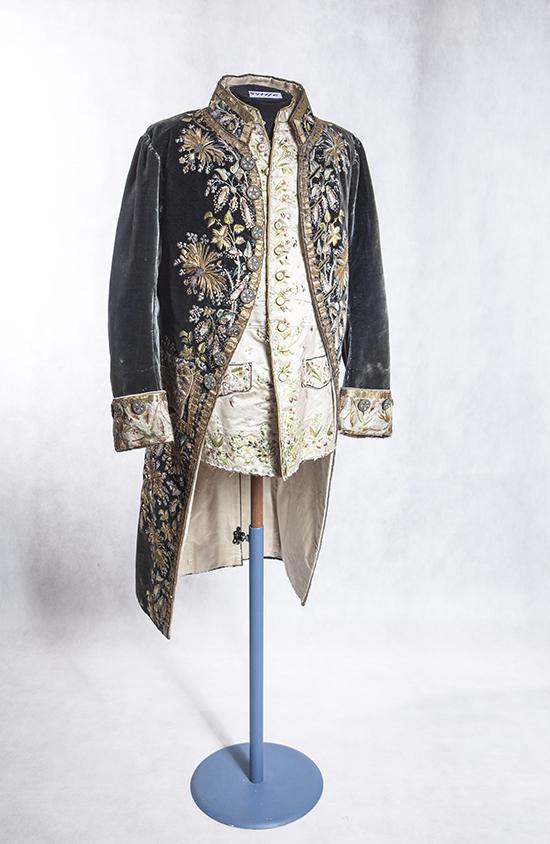 Красавец мужчина – как менялся образ русского модника?
