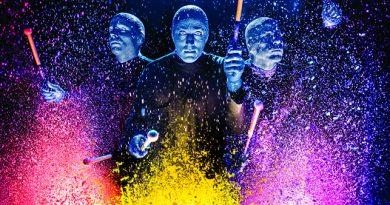 Легендарное шоу Blue Man Group впервые приезжает в Россию