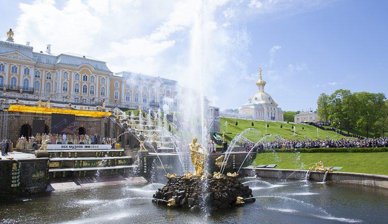 Полтавченко принял участие в весеннем Празднике фонтанов