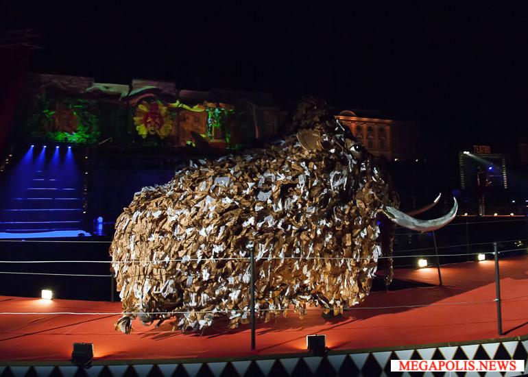 Осенний Праздник фонтанов в Петергофе прошел по-новому