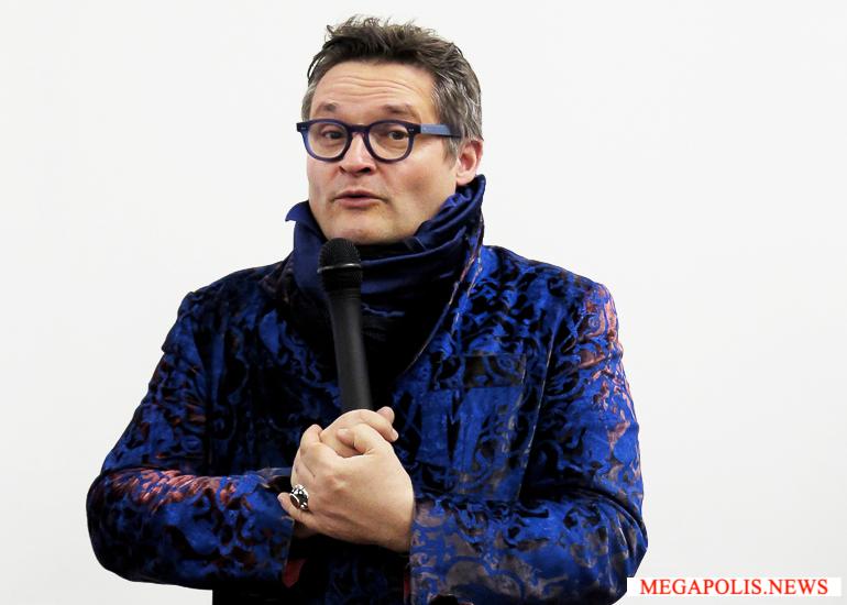 Александр Васильев открывает выставку моды в Петербурге