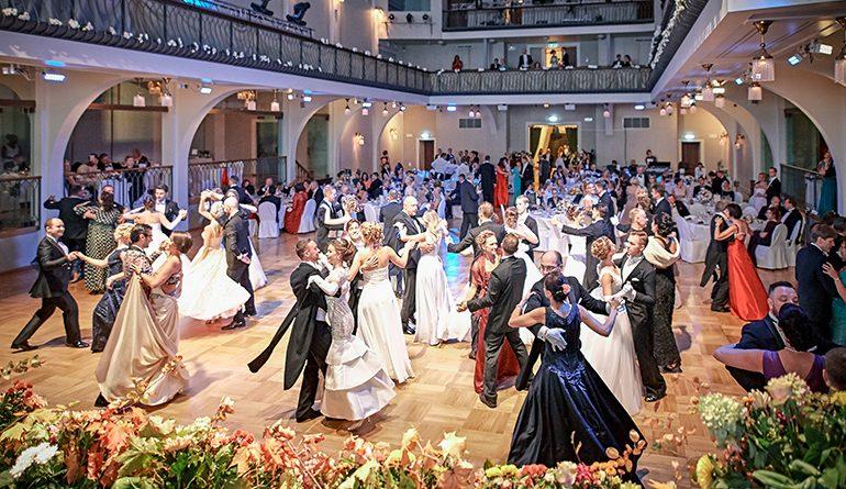 Балтийский благотворительный Бал в Риге