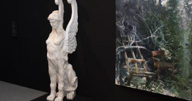 Тема смерти и бессмертия на выставке в Манеже