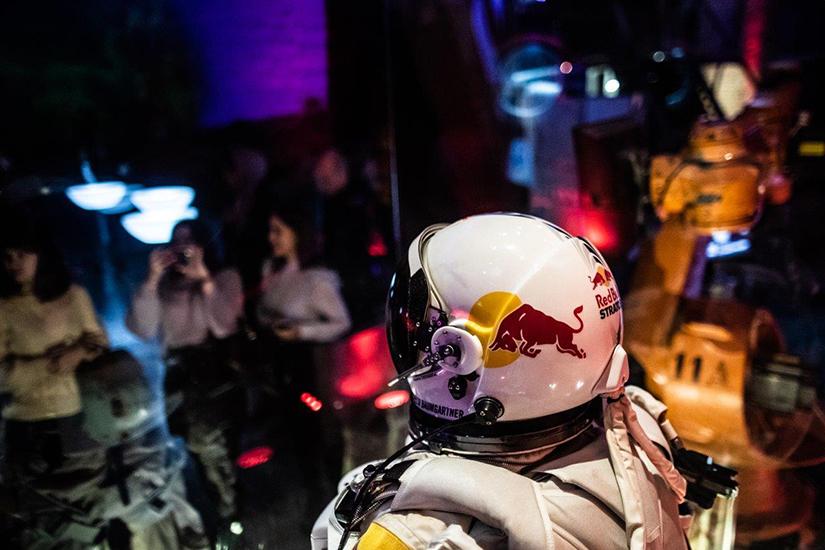 Уникальная экспозиция Red Bull Stratos в Планетарий 1
