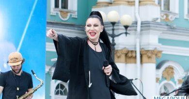 Ёлка станет хэдлайнером фестиваля «Будь с Городом! 2020»