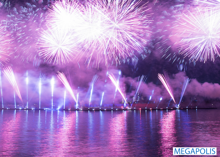 Грандиозный праздник «Алые паруса» прошел в Петербурге
